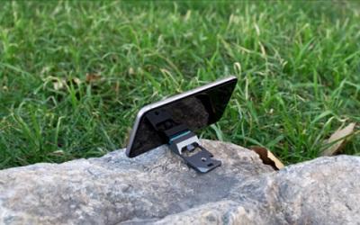 MOS Kick Smartphone Stand
